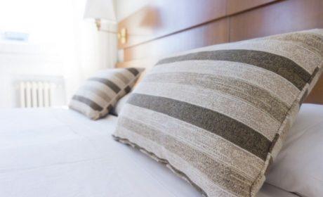 Почему важно периодически менять подушку для сна